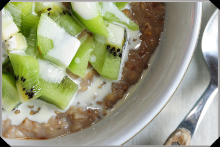 Porridge With Kiwi Fruit And Banana