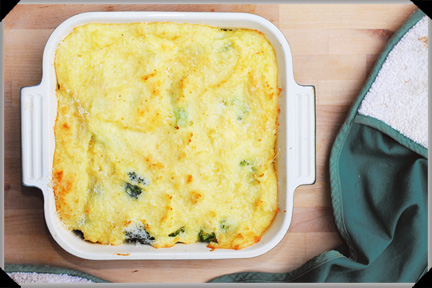 Cheesy potato and broccoli bake