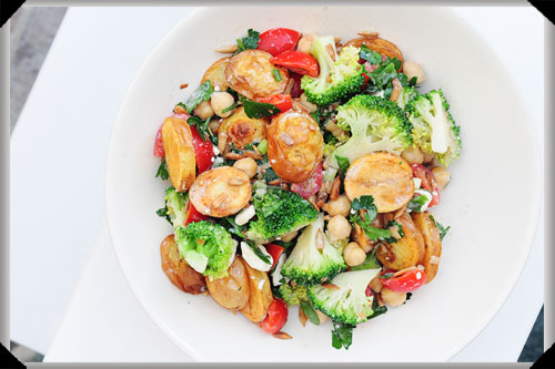 Warm potato salad with chickpeas & broccoli