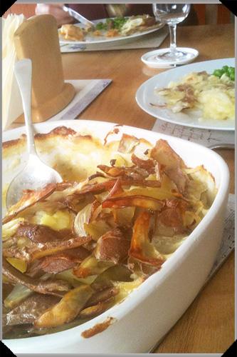 Potato gratin with skins
